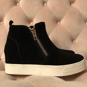 Steve Madden Black Suede Zipped Wedge Sneaker
